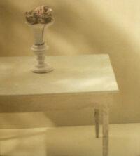 テーブルの上の花 Takashi Tanaka